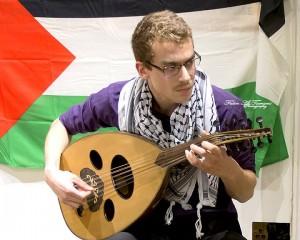 Abdullah Bayyari play the oud