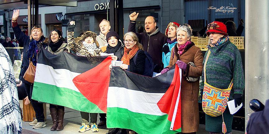 The Resistance Choir on Henry Street